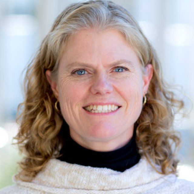 Jennifer Evarts Lineback faculty headshot